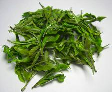 Darjeeling white tea with bright green leaf