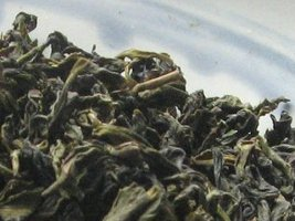Loose-leaf tea with dark green color
