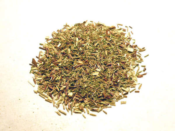 Loose-leaf green rooibos, small, pale yellow-green twigs with a few bronze-colored ones mixed in